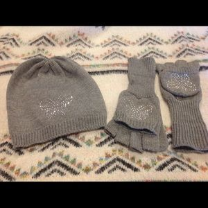 Grey hat and gloves with sparkle butterfly 🦋